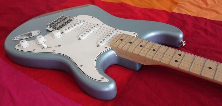 fender stratocaster standard photo4